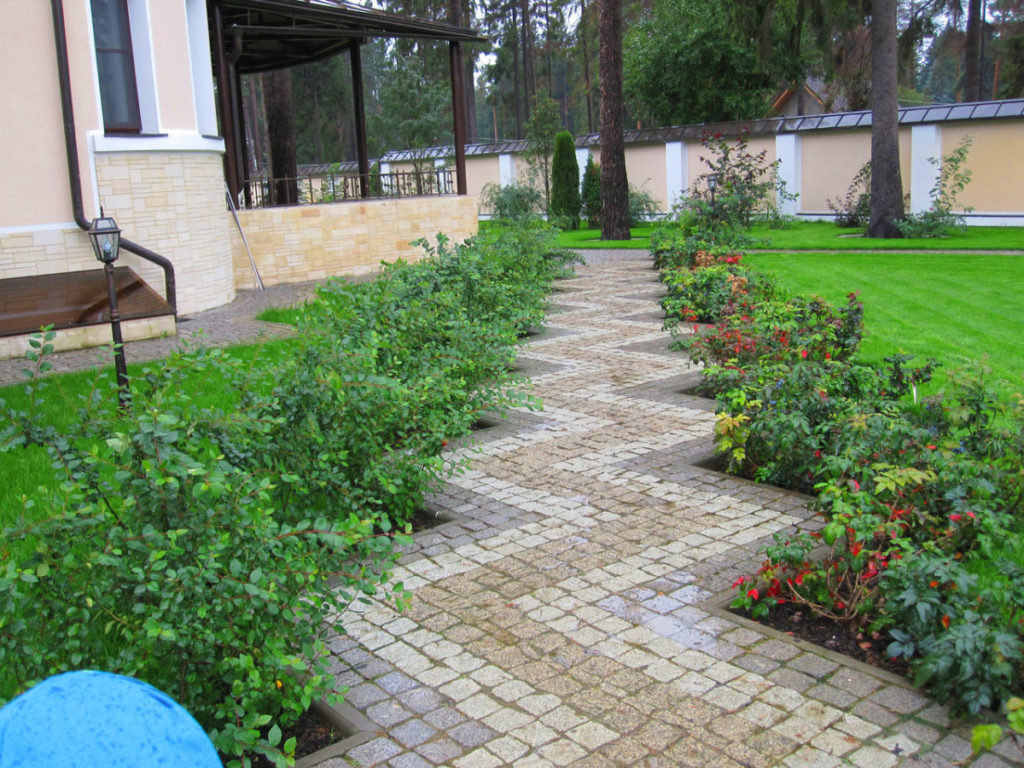 Садові доріжки з каменю